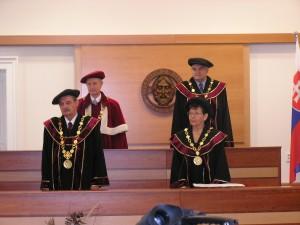 Promócie absolventov - 2004
